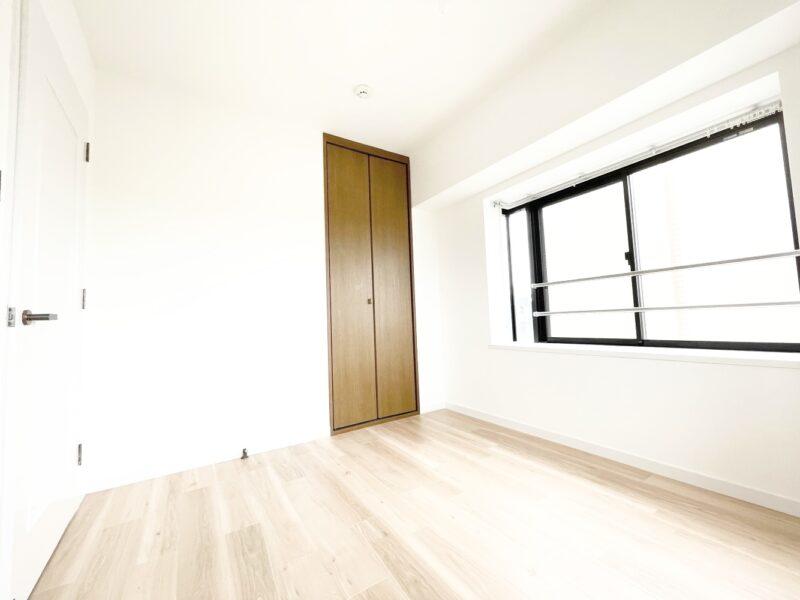 (洋室2)こちらの居室にもクローゼットがついています。(寝室)